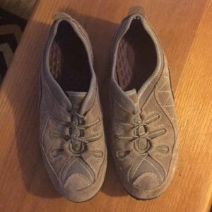 Women's Light Brown Suede Shoes Size 8